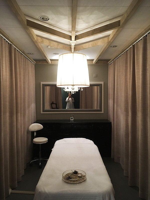 Treatment-Kabine bei Ease Design Spa Zürich im Puls 5 (Day Spas in Zürich), Review auf Hey Pretty Beauty Blog
