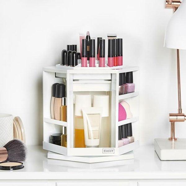 Drehbarer Kosmetik-Organizer von Beautify UK (Hey Pretty Make-Up Aufbewahrungsideen)