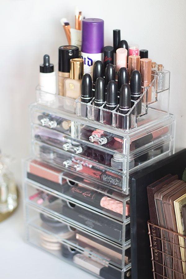 Make-Up Aufbewahrung mit MUJI Acryl-Boxen (Image copyright: Gemma Louise)