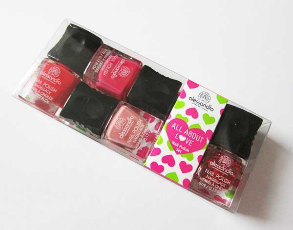 Alessandro All About Love Nagellack, Image by Hey Pretty