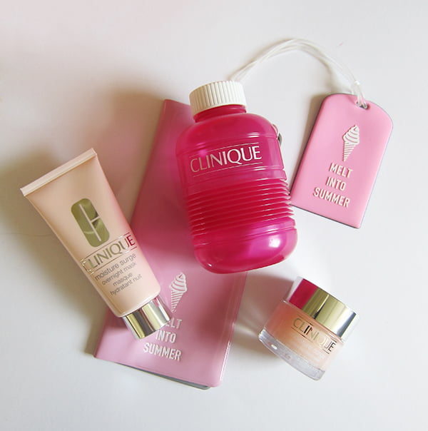 Clinique Moisture Surge, Image by Hey Pretty Beauty Blog #moisturesurgearoundtheworld