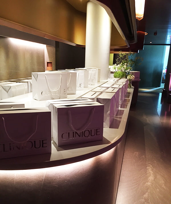 Clinique_SkyLounge_Entry