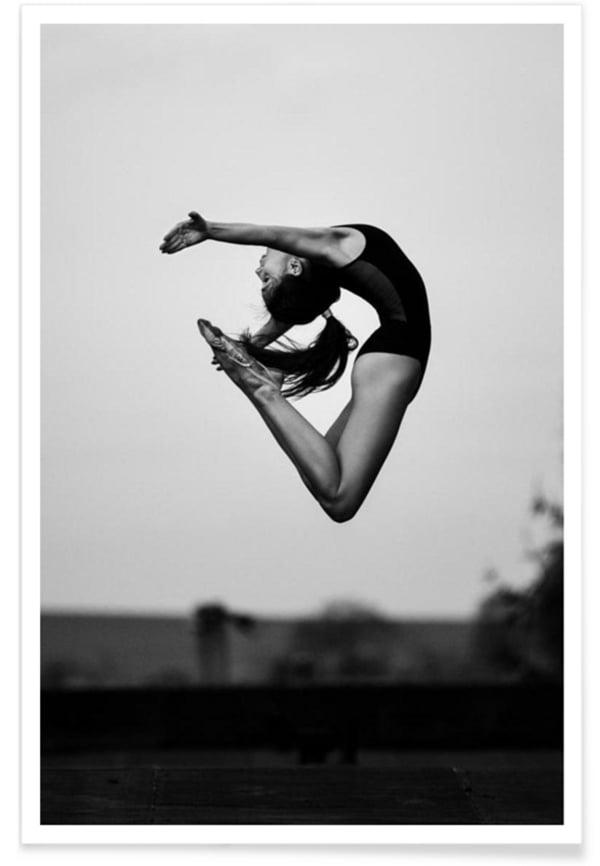 «No Limits» von Martin Krystynek, Image via Junique