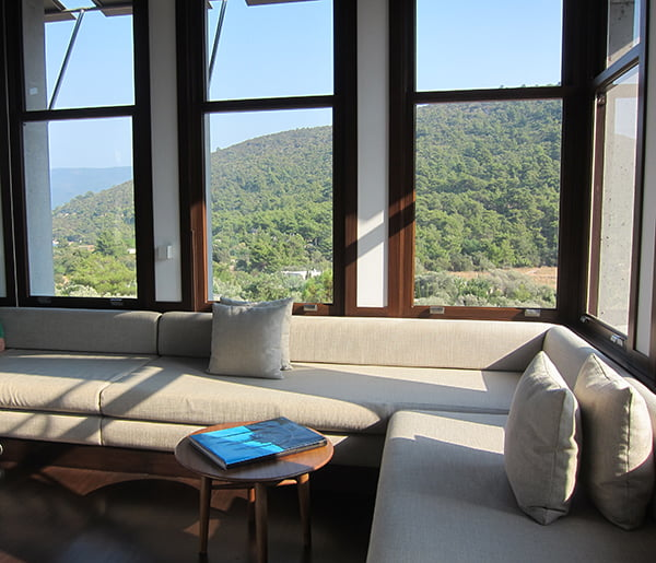 Review Amanruya Bodrum, Library, Image by Hey Pretty Beauty Blog