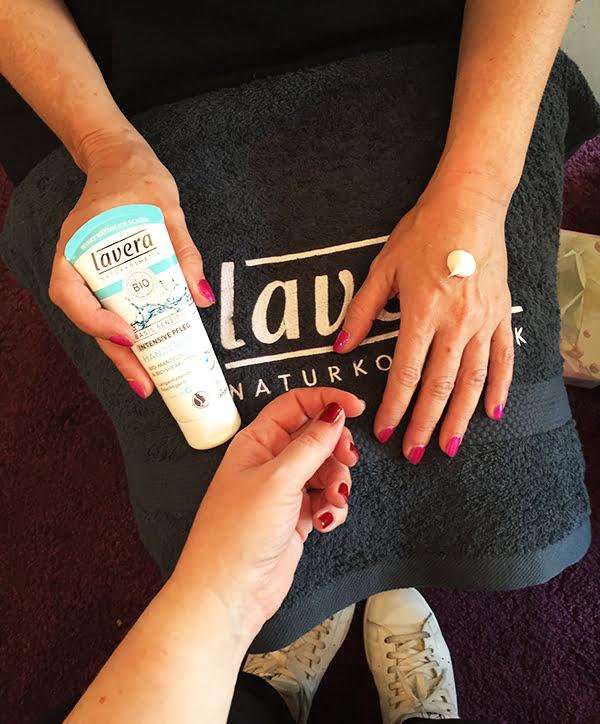 Lavera #handmate Event Hamburg: Handmassage