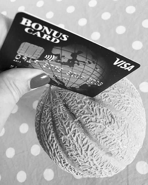 Visa Bonus Card Do's and Dont's: Image by Hey Pretty Beauty Blog