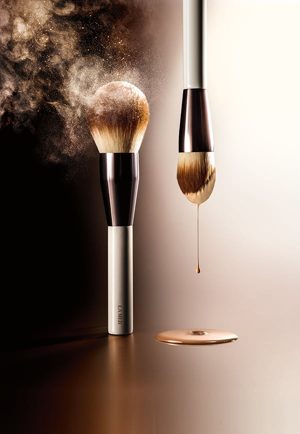Skincolor de La Mer PR Image Foundation Brush and Powder Brush
