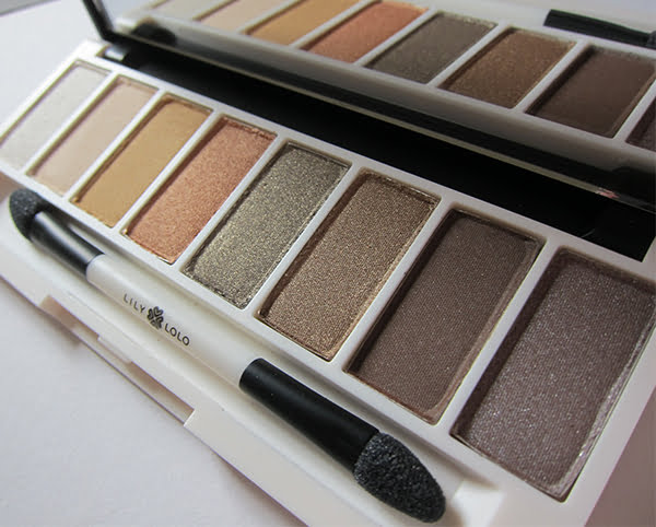 Review Lily Lolo Eye Palette in Filthy Rich, Close-Up Image by Hey Pretty Beauty Blog