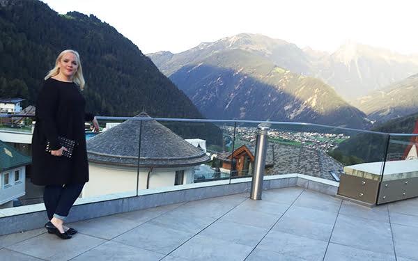 Terrasse STOCK resort, Reisebericht und Image by Hey Pretty Beauty Blog
