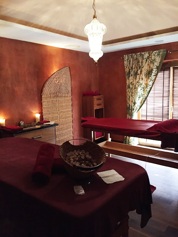 Ayurveda-Behandlungsraum, Spa Review STOCK resort, Image by Hey Pretty Beauty Blog