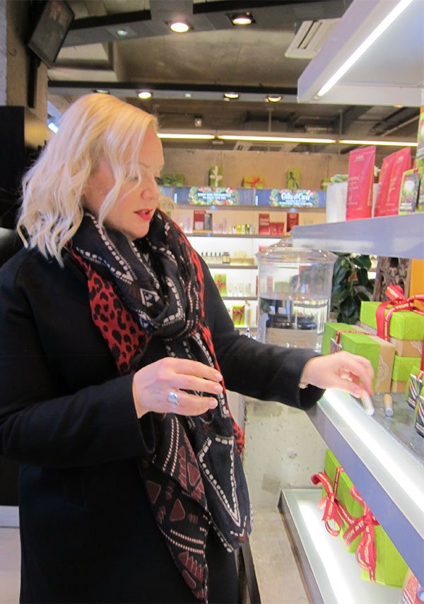 Christmas Shopping at Aveda London (Image by Hey Pretty)