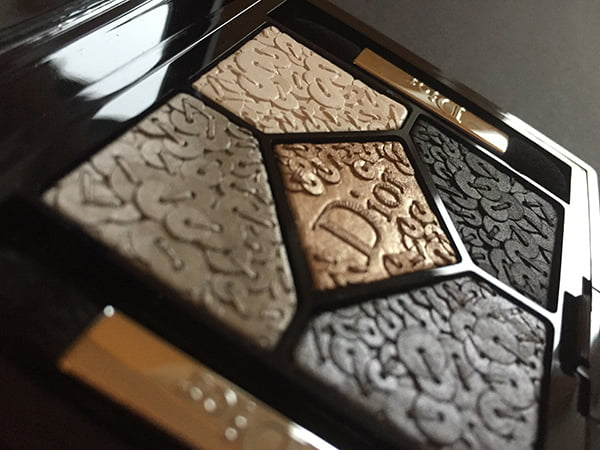 Dior Splendor 5 Couleurs Splendor (Smoky Sequins), Image by Hey Pretty Beauty Blog