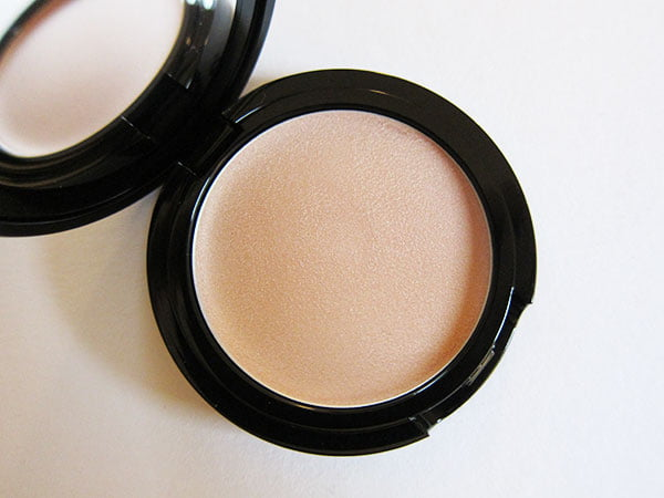 A beautiful, subtle highlighting cream: All Over Seduction by Edward Bess