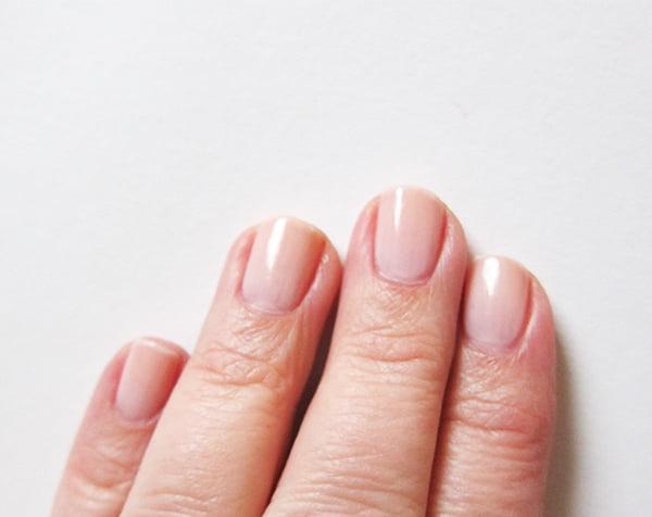 opi_gelbreak_finger_closeup