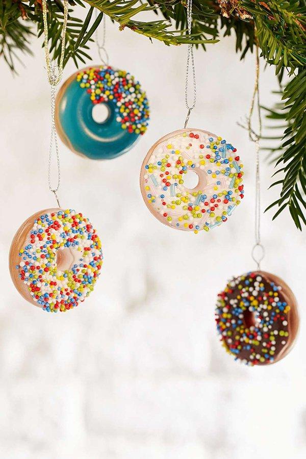 Donut Weihnachtsschmuck von Urban Outfitters