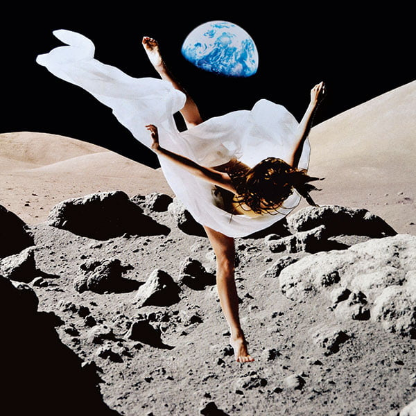 Dancing on the Moon Visual