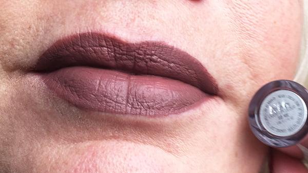 MAC Retro Matte Liquid Lipcolour: So Me (Swatch Closeup)
