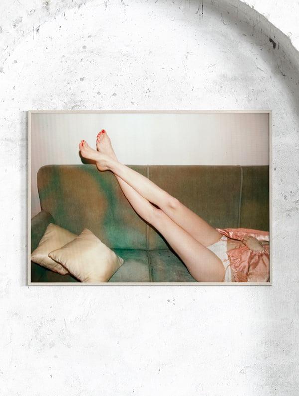 Wohn-Ideen 2017: Paper Collective Resting Feet Kunstdruck bei Goodform