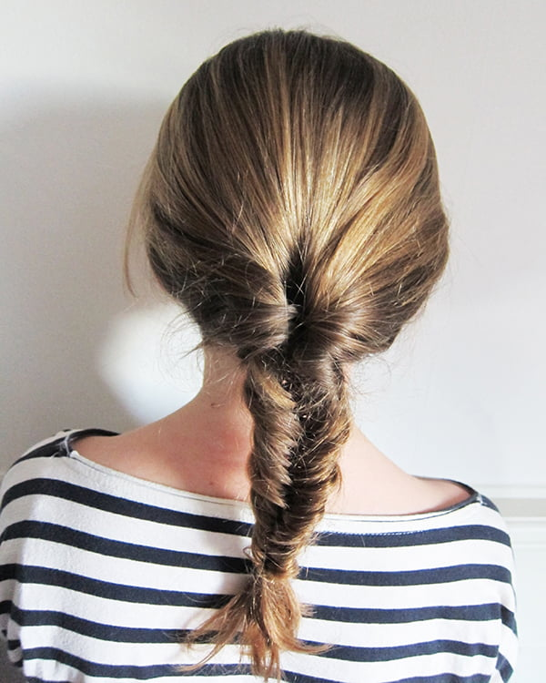 Step by Step Tutorial: Easy Fishtail Braid