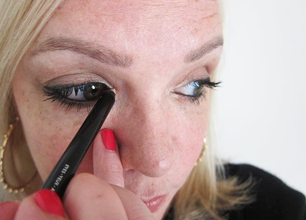 15: Infaillible Gel Crayon in Beige auftragen (Gold Smoky Eye Tutorial by Hey Pretty), La Palette Gold by L'Oréal Paris