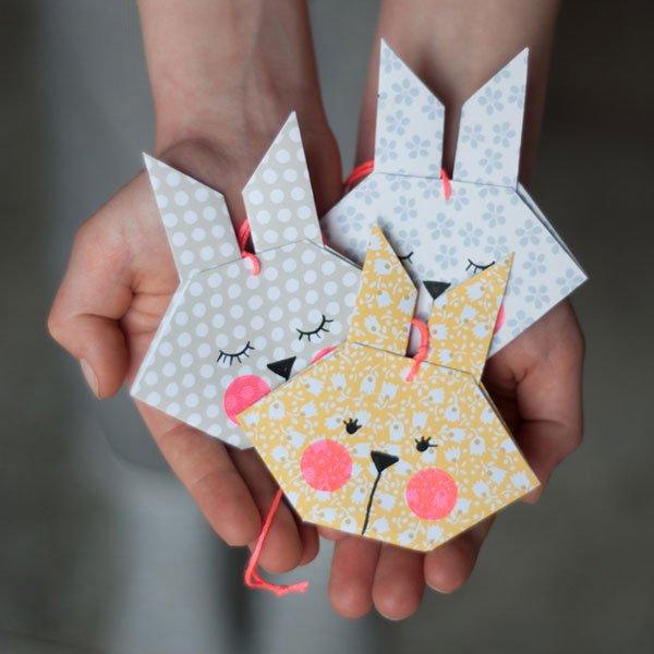 Die schönsten DIY-Projekte für Ostern: Origami Hasen von Johanna Rundel (Hey Pretty Roundup – Ostern Basteln auf Pinterest)