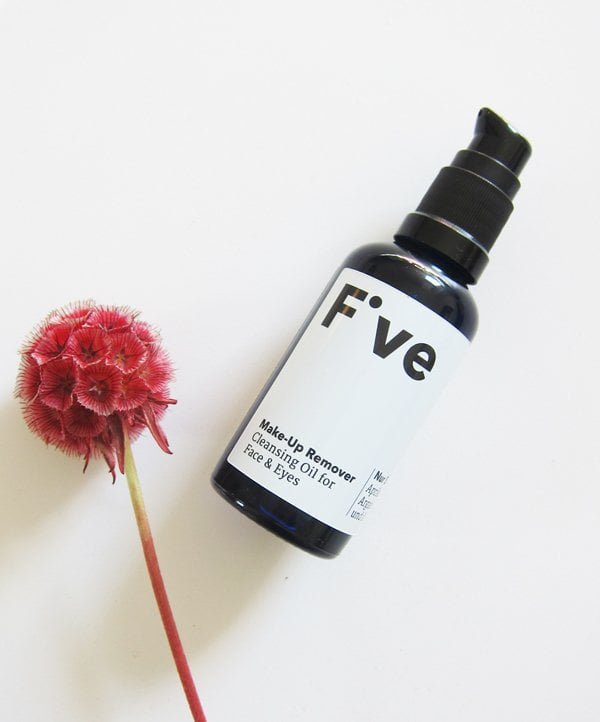 Five Skincare (Organic and made in Zurich): Make-Up Remover – Image by Hey Pretty
