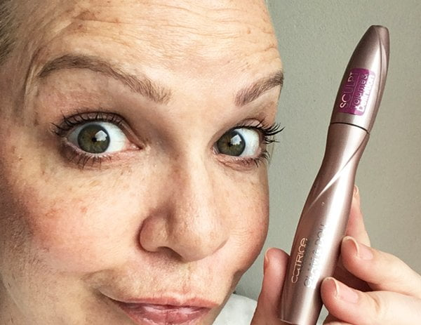 Mascaras im Test: Catrice Glam & Doll Mascara (Image by Hey Pretty)