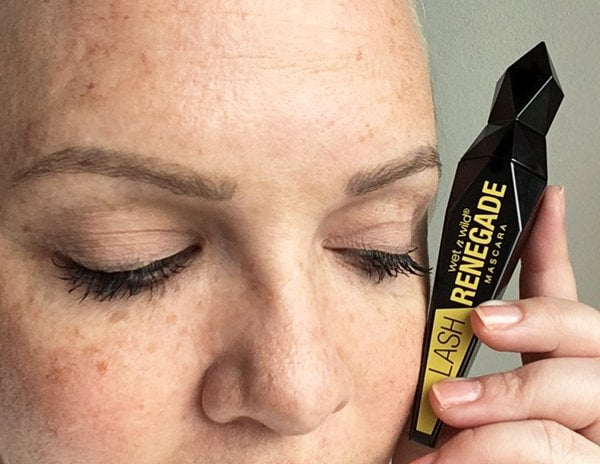 Mascaras im Test: Wet n Wild Lash Renegade (Image by Hey Pretty)
