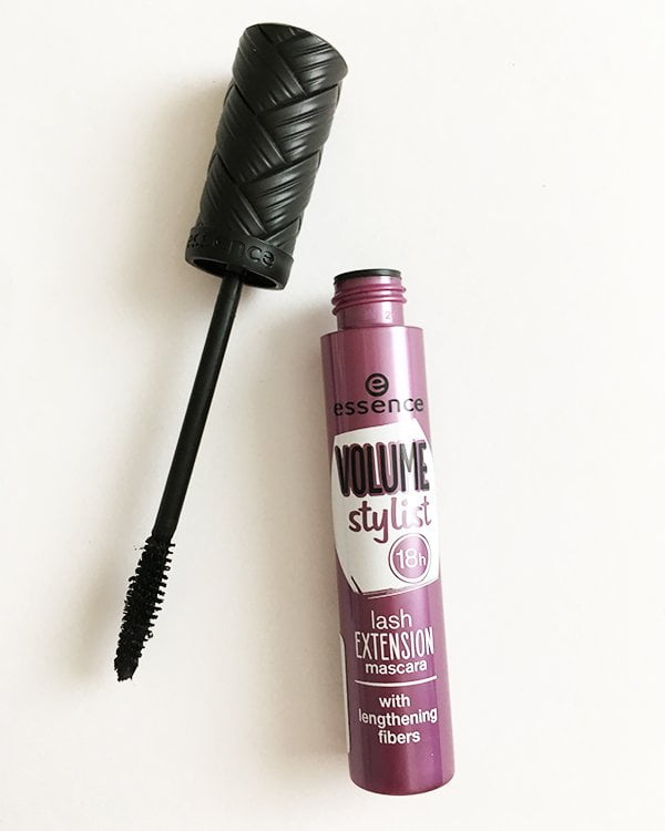 Essence Volume Stylist 18h Lash Extension Mascara (Kleines Budget, grosse Wimpern) Mascara Test auf Hey Pretty