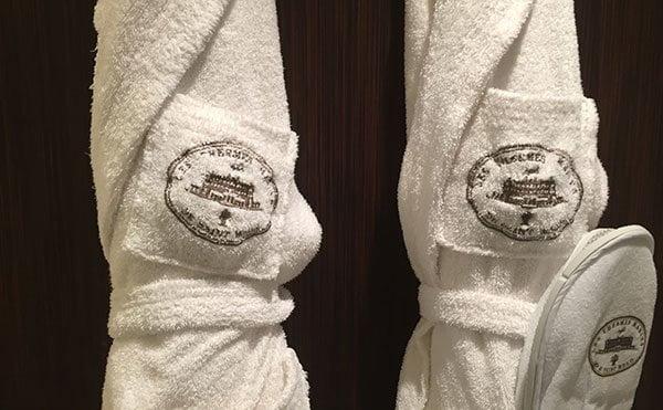 Grand Hôtel des Thermes Saint-Malo: Hotelzimmer mit Meerblick (Hey Pretty)