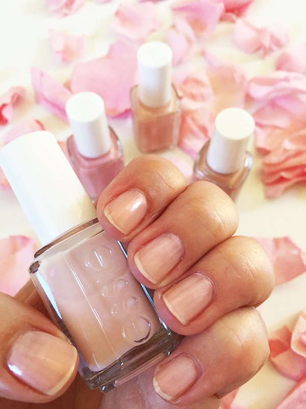 Essie Treat Love & Color Nail Strengthener in Sheers to You (Swatched by Hey Pretty): Erfahrungsbericht