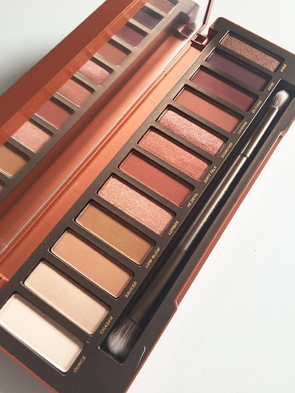 Urban Decay Naked Heat Palette und Limited Edition Lippenstifte: Erfahrungsbericht auf Hey Pretty Beauty Blog