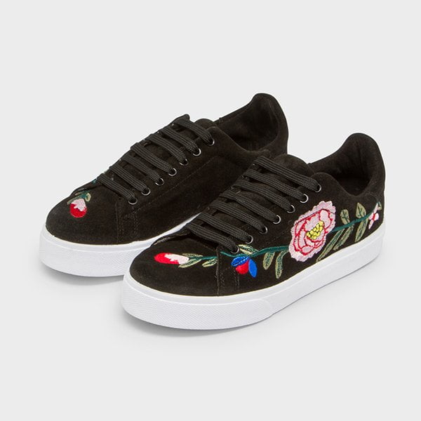 Bestickte Sneakers von Manor Maddison (Hey Pretty Fashion Flash)