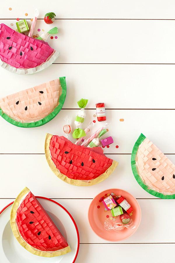 Die besten DIY Ideen auf Pinterest: Watermelon Pinatas von Julep