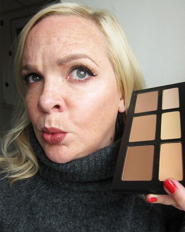 Kat von D Launch in der Schweiz –Shade + Light Contour Palette, swatched by Hey Pretty