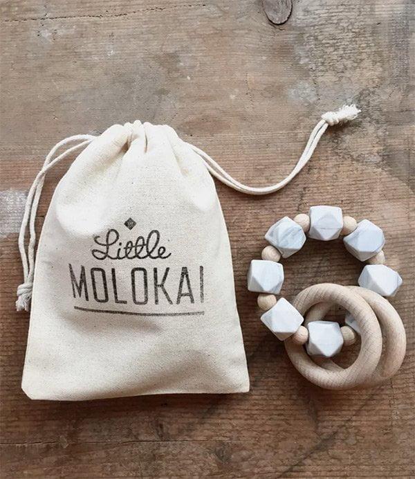 Coole Babygeschenke: Little Molokai Beissring (Cooles für Kids auf Hey Pretty)