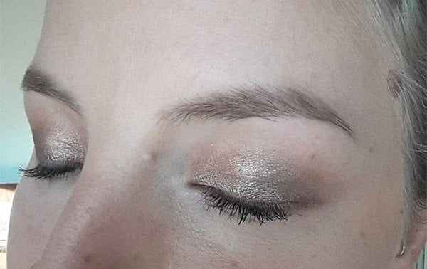 Kylie's Professional Mineral Goddess Make-up Review and Swatches by Hey Pretty