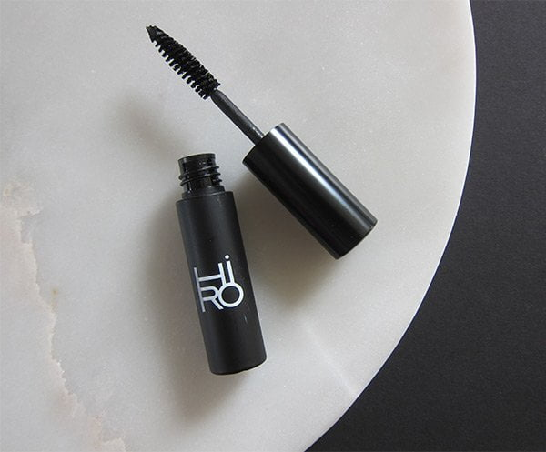 HIRO Cosmetics Organic Vegan Mascara (Image by Hey Pretty Beauty Blog)