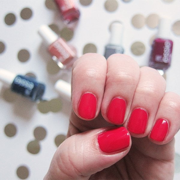 Essie Be Cherry!, Swatched by Hey Pretty: Winter Collection 2017 «Ring in the Bling»