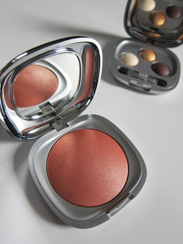 KIKO Milano Arctic Holiday Baked Blush in Marmoreal Biscuit (Image and Review by Hey Pretty)