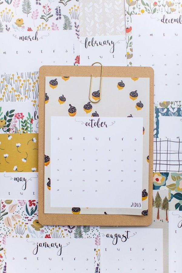 This Little Street Free Printable Calendar 2018 (Die schönsten Gratis-Druckvorlagen für Kalender 2018 auf Hey Pretty)
