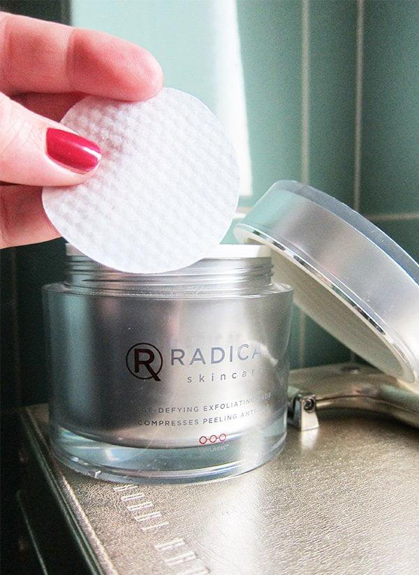 Radical Age-Defying Exfoliating Pads (Holy Grail Hautpflegeprodukte auf Hey Pretty): Badezimmerschränkli Lieblinge von Steffi Hidber