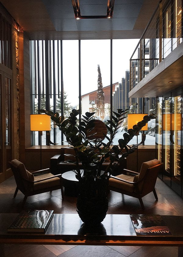 Wine Lounge im The Chedi Andermatt (Image by Hey Pretty)