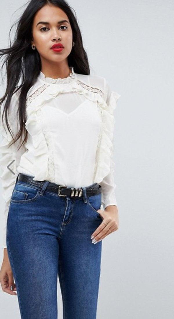 Gerüschte Bluse mit Spitzeneinsätzen von ASOS (Hey Pretty Fashion Flash Januar 2018)