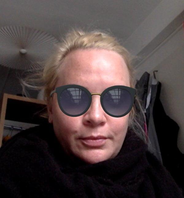 Steffi mit Brille