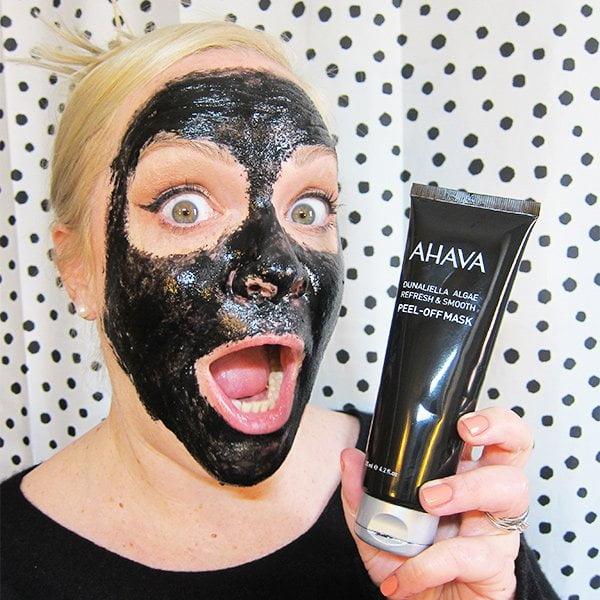 Gewinnspiel: Fünf Ahava Dunaliella Algae Peel-Off Masken mit Aktivkohle zu verschenken auf Hey Pretty!