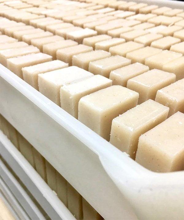 Apotheke Brookyn: Handmade soaps (Image via Instagram @apothekeco)