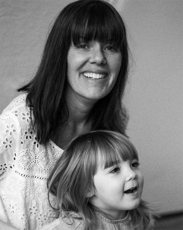 Apotheke Brooklyn-Gründerin Chrissy Fichtl mit Tochter Penelope (Review auf Hey Pretty Beauty Blog), Image via Instagram