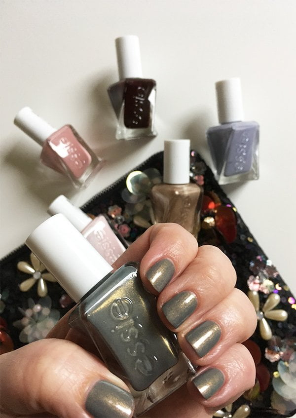 Spellbound, Swatched aus der Once Upon a Time: Die Essie Gel Couture Enchanted Collection (Erfahrungsbericht und Swatches von Hey Pretty Beauty Blog)