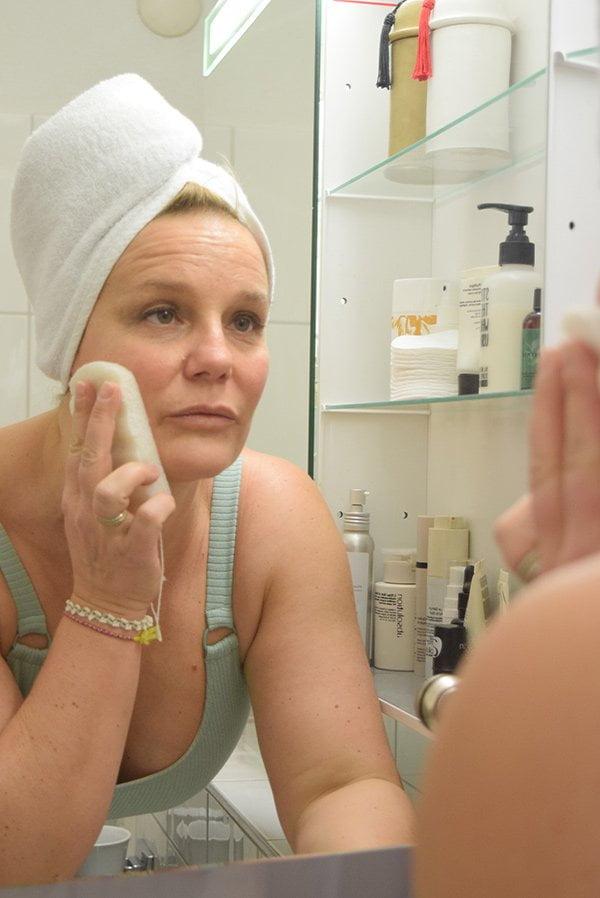 Show me your Badezimmerschränkli Hautpflegeroutine von Hrvojka Sütterlin Inhaberin Bio Beauty Boutique